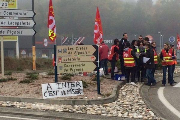 Les salariés de l'Intermarché de Moissac (82) sont en grève.
