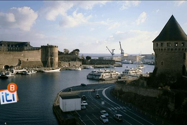 Sur le bord de la Penfeld : 400 ans d'histoires de la marine à Brest