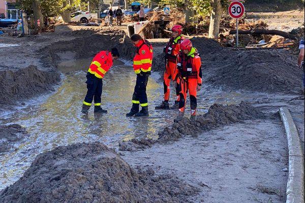La boue a envahi les rues de Breil-sur-Roya