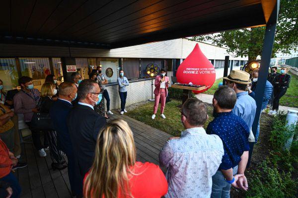 """A la maison du don de l'EFS à Dijon, les 14 ambassadeurs étaient présentés pour le lancement de l'opération """"tout Dijon donne"""" jeudi 23 septembre"""