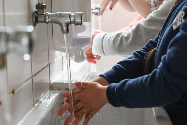Photo d'illustration. Séance de lavage de mains pour des écoliers.