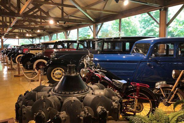 Le Manoir de l'Automobile expose 400 voitures sur 15 000 m2