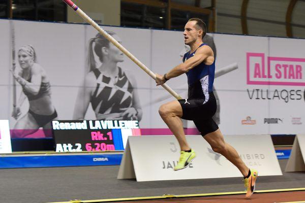 Renaud Lavillenie passe 6,06 mètres le 27 février 2021.