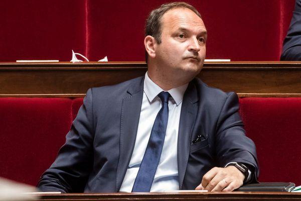 Le 16 Juin 2020, à l'Assemblée Nationale, Régis Juanico a demandé au gouvernement de se prononcer sur la création d'un fonds d'indemnisation pour les victimes du Covid-19