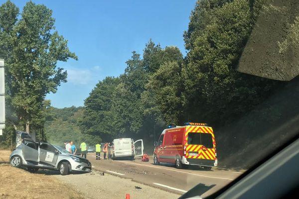 L'accident, survenu ce lundi matin, a fait deux blessés
