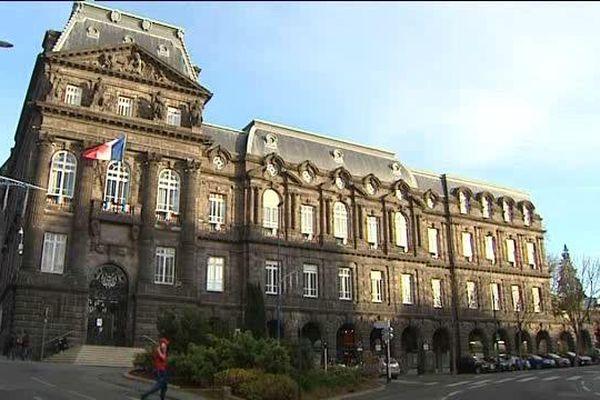 Avec la fusion d'Auvergne et Rhône-Alpes, la préfecture de Clermont-Ferrand perd son statut de préfecture de région.