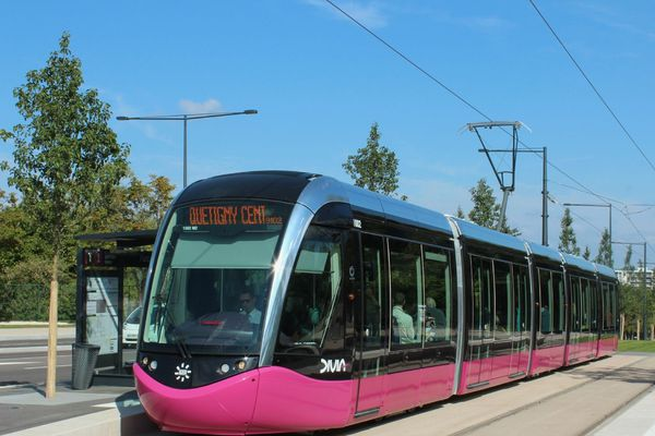 La T1 qui relie Dijon à Quétigny est entrée en service le 1er septembre 2012