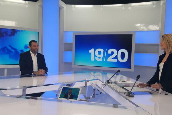 """09/03/2017 - """"J'ai fait le choix de soutenir Emmanuel Macron"""", Jean-Charles Orsucci maire PS de Bonifacio"""