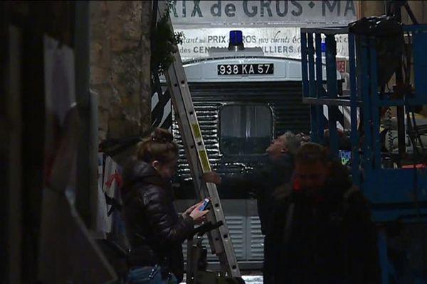 """Un """"panier à salade"""" dans les rues d'Angoulême, le 11 février 2019, à l'occasion du tournage de """"The French Dispatch"""""""