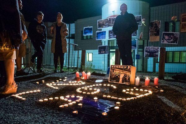 La nuit debout devant l'abattoir de Bazas lors de la deuxième édition en septembre 2017.