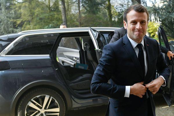 Emmanuel Macron à son arrivée à Angers, le 28 mars 2019
