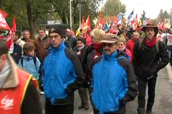 Le 14 novembre, la journée européenne de mobilisation contre le chômage et la précarité a été suivie par environ 300 personnes à Montataire (Oise).