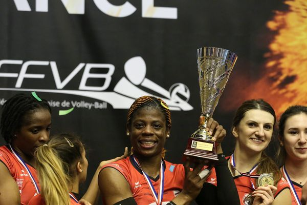 Le 11 mars 2017, à Clermont-Ferrand (63), l'équipe de Chamalières remporte la coupe de France de volley-ball.