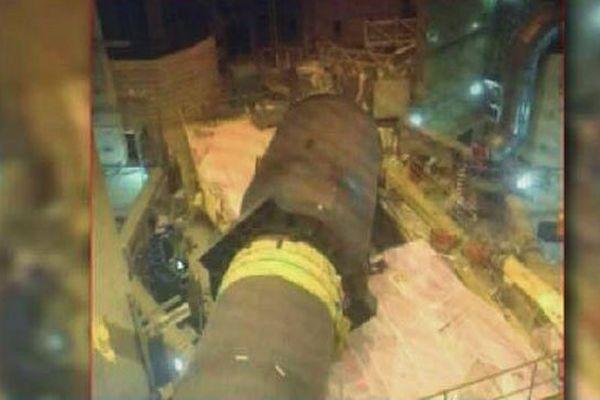 Le générateur de vapeur de 450 tonnes après sa chute durant la maintenance du réacteur n°2 de la centrale de Paluel