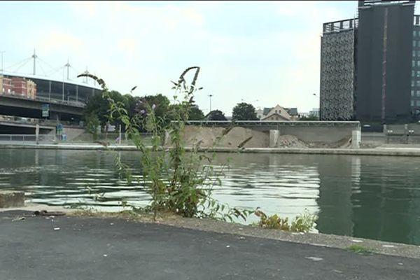 C'est ici, dans le Bassin de la Maltournée à Saint-Denis qu'un homme s'est noyé dimanche vers 1h du matin.