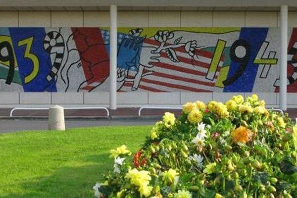 Une fresque du Centre hospitalier mémorial France - États-Unis, à Saint-Lô (Manche)