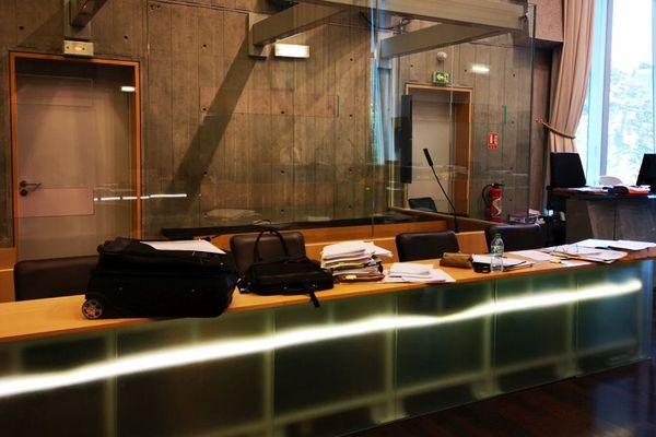 Le box des accusés - Cour d'assises de Haute-Savoie
