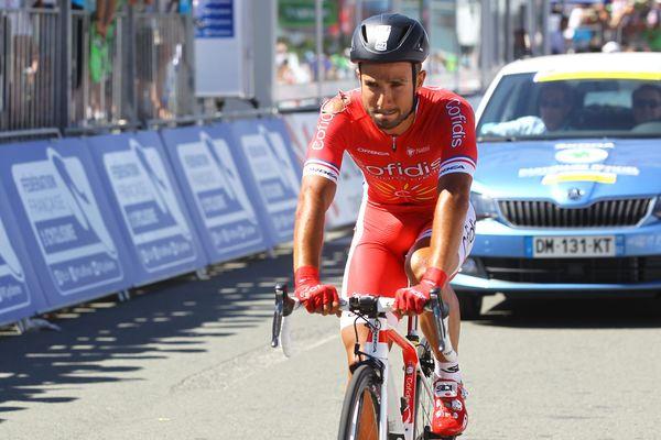 Nacer Bouhanni après sa chute ce dimanche aux championnats de France de cyclisme.
