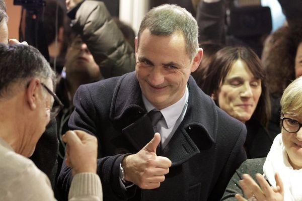 03/12/2017 - Le tête de file de la coalition nationaliste, l'autonomiste Gilles Simeoni au soir du premier tour des électins territoriales en Corse.