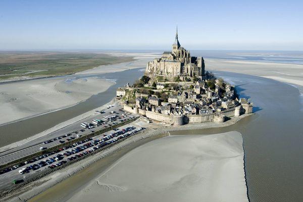 Le Mont Saint-Michel, avant les travaux du pont-passerelle