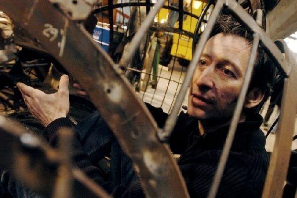 """François Delaroziere, créateur de La Machine lors de la fabrications des machines des """"Mondes Marins"""" à Nantes, le 30 mars 2007."""