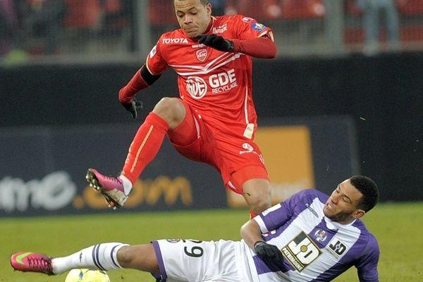 Dossevi face à Toulouse. FC Lorient-VAFC, coup d'envoi samedi 2 mars au Stade du Moustoir à Lorient