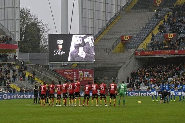 L'hommage du RC Lens au jeune Théo au Stade Bollaert-Delelis.
