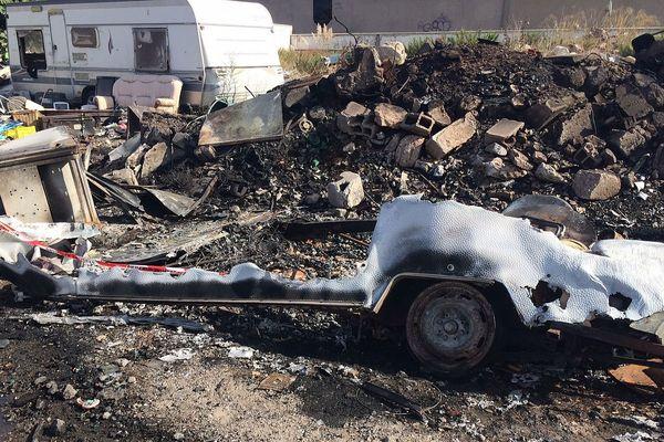 C'est dans une caravane brûlée que les pompiers de Sète ont retrouvé un corps carbonisé - 3 septembre 2017