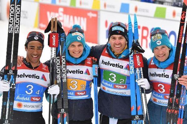 Les relayeurs français très heureux après le 4*10km des championnats du monde.