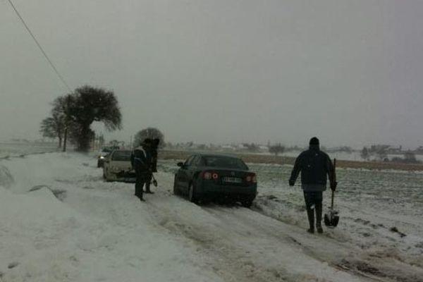 Déneigement des routes secondaires du côté de St Guinoux (35)