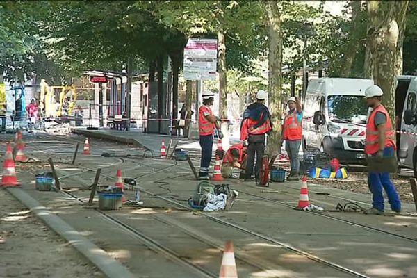 Les lignes de tramway, vieilles de 15 ans, avaient grand besoin de travaux de rénovation.