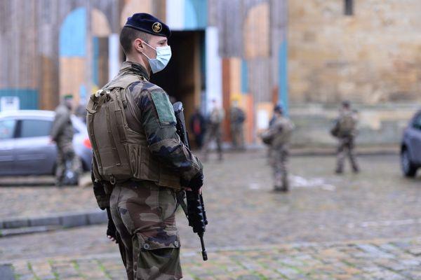 Un militaire de l'opération sentinelle. (image d'illustration)