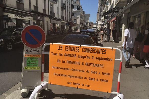 La rue des halles fait partie du secteur qui sera piétonnisé le samedi