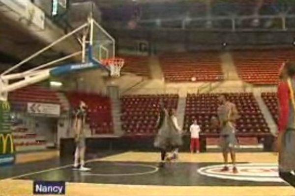 Le SLUC Nancy Basket à l'entraînement.