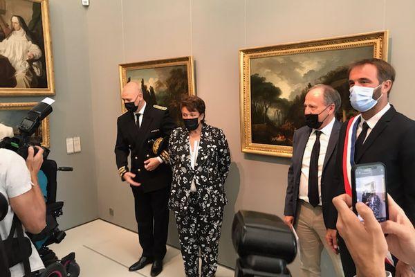 Inauguration de l'accrochage des deux tableaux de Jean-Honoré Fragonard au Musée Fabre de Montpellier, en présence (de gauche à droite) du préfet de l'Hérault, de la ministre de la culture, du conservateur du musée et du maire de Montpellier - 22/07/2021