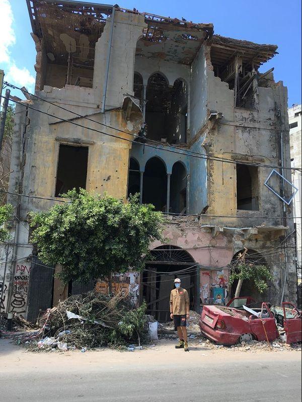 Des façades littéralement soufflées, dans le quartier  Mikhael . 9 août 2020