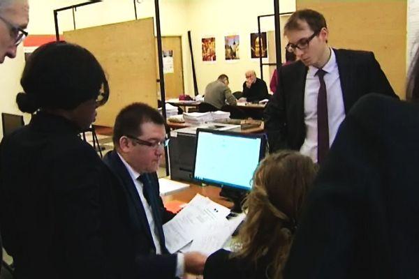 Le dépôt des listes s'effectue dans un service spécial dédié, ici, la Préfecture de Dijon (archive)