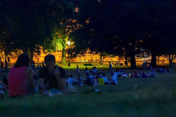 13 parcs sont ouverts toute la nuit jusqu'au 1er septembre comme le parc Montsouris (XIVe).