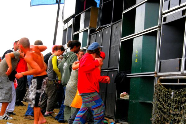 Le préfet de Maine-et-Loire interdit tout transport de matériel de son et tout rassemblement de type teknival du 14 au 17 août