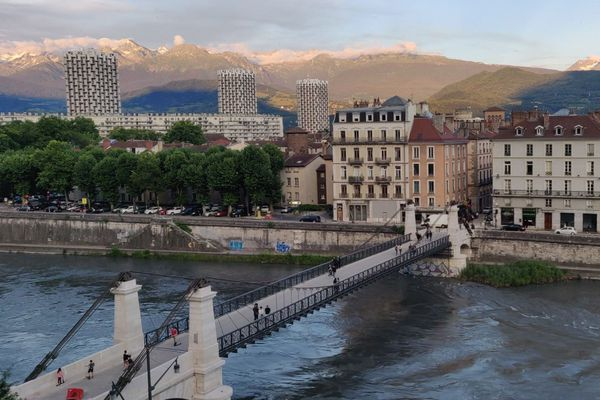 Le pont Saint-Laurent à Grenoble