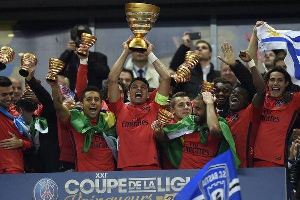Le PSG vainqueur de la Coupe de la Ligue 2015.