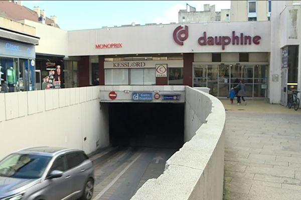 Le centre Dauphine à Dijon : un espace commercial construit entre 1970 et 1973 sur un parking souterrain va bénéficier d'une transformation et d'une rénovation complète