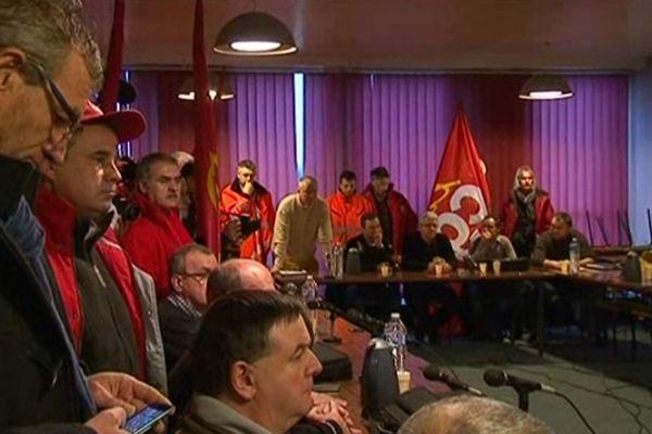 Envahissement du CE extraordinaire de Florange le 3 janvier 2013.