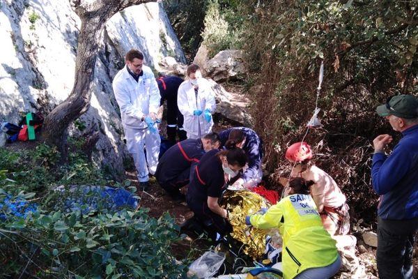 Ce dimanche, les pompiers du Gard ont porté secours à un homme tombé d'une falaise.