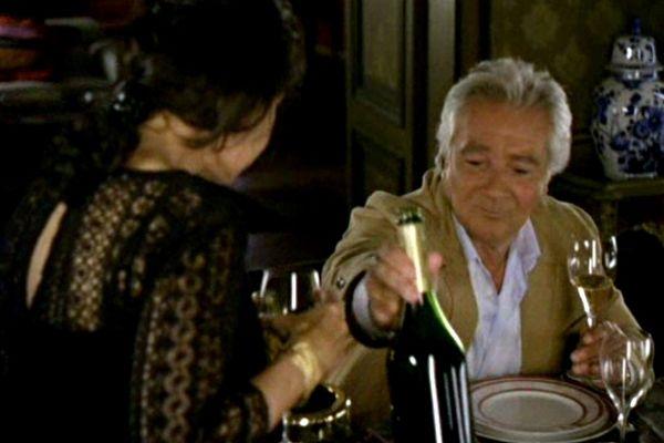 """Capture d'image du téléfilm """"Les veuves soyeuses"""" - Dans la série """"Le sang de la vigne""""."""