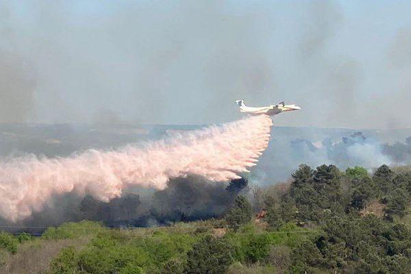 Avion bombardier d'eau Dash 76 de la Sécurité Civile