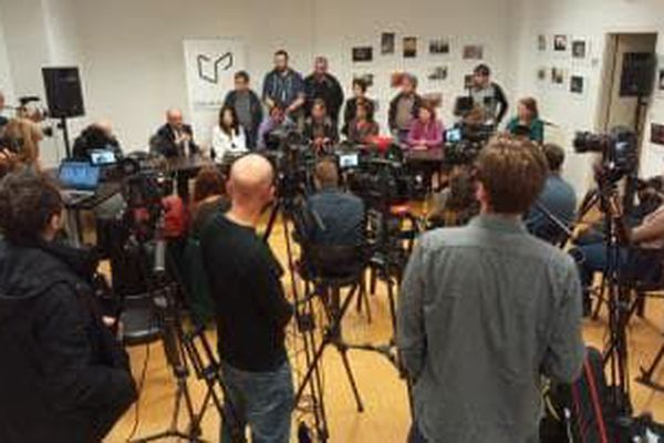 Les médias étaient présents en masse.