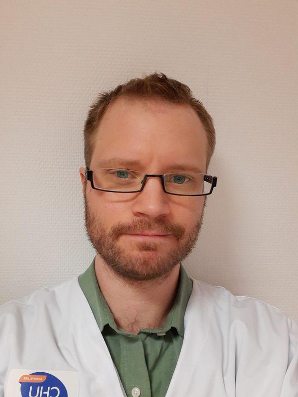 Raphaël Jovenin, psychologue à Montpellier dénonce le manque de concertation du gouvernement.