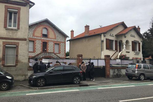 Des Toulousains émus par la situation de Roland s'étaient mobilisés le 8 février dernier pour réclamer l'expulsion des occupants de sa maison.
