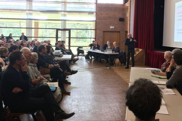 Ce samedi 31 mars le maire Jean-Claude Lemasson avait convoqué une réunion citoyenne